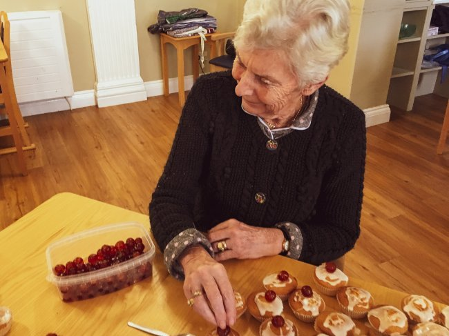 Broomhills residents enjoy a sweet treat with cake making session.