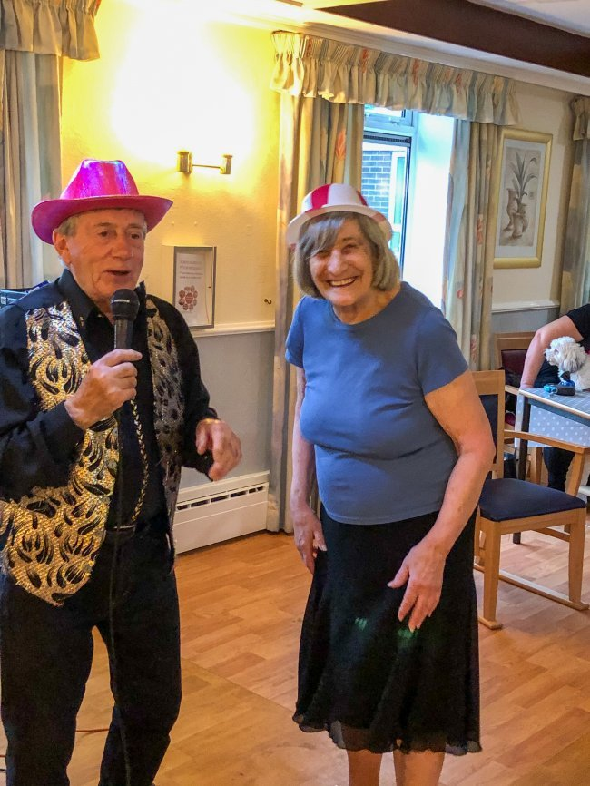 Rowena House in Conisbrough enjoy special visit from local singer.