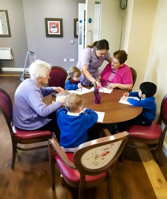Residents at Oak Tree Manor enjoyed another visit from Seymour Hill Pre-school School as part of the Care Citizens Hub collaboration.